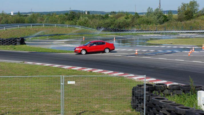 Szkolenie z doskonalenia techniki jazdy – AUTODROM POMORZE W PSZCZÓŁKACH